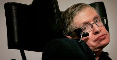 Stephen Hawking announces $100 million hunt for alien life