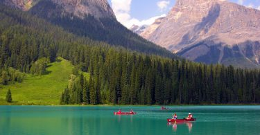 Scenery on Emerald Lake (in Yoho National Park)